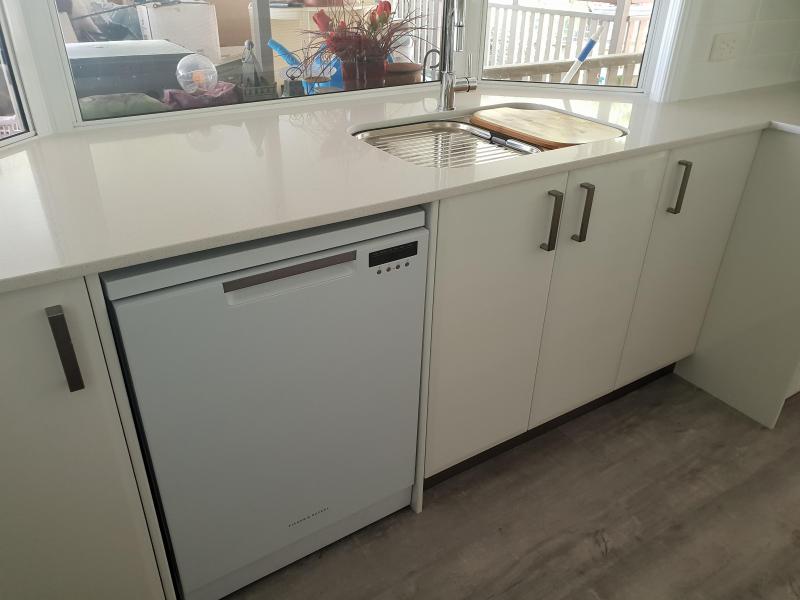 Custom U Shaped Kitchen